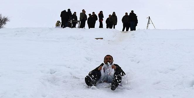 Köylülerin kayak macerası