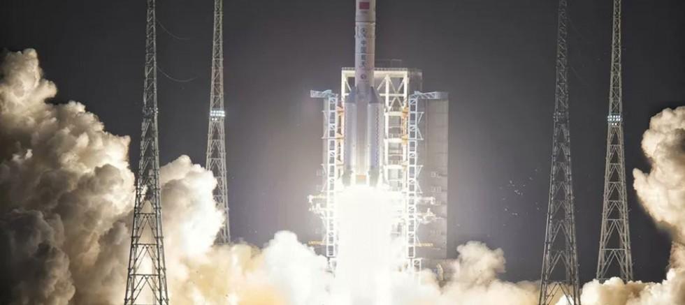 Chang'e 5 uzay aracı Ay'a başarılı şekilde indi