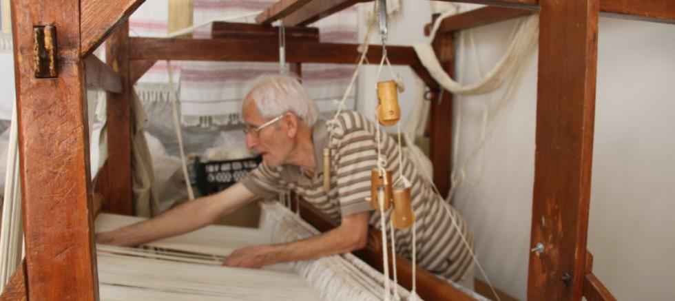 59 yıldır dokuma tezgahının başında