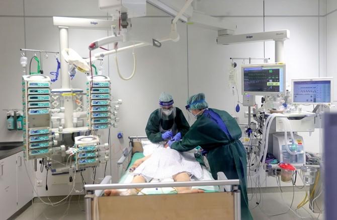 Almanya'da son 24 saatte korona virüsten 247 kişi öldü