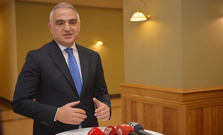 Bakan Ersoy: Almanya turizm bölgelerine yönelik seyahat kısıtlamasını kaldırdı