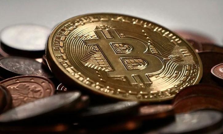 Bitcoin 11,000 doları aştı
