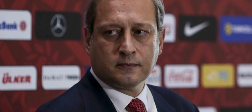 Burak Elmas, 'Türk oyuncularımız yetişsin ama bu yabancı sınırıyla olmaz'