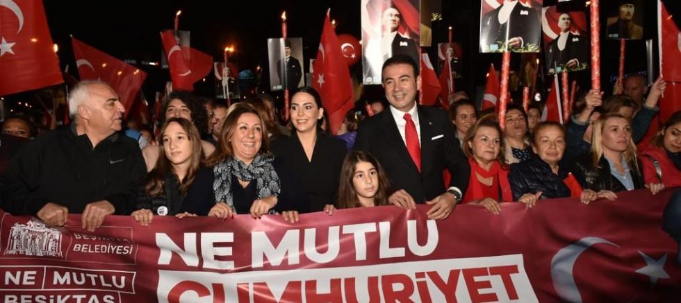 Cumhuriyet Bayramı kutlamaları için Beşiktaş hazır