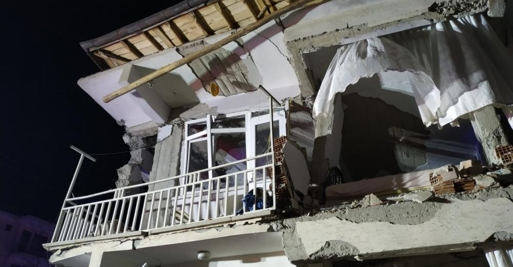 Depremin bilançosu: 18 ölü, 553 yaralı