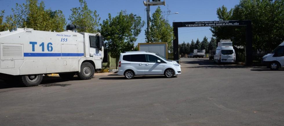 Diyarbakır'da mezarlık ziyareti yasaklandı