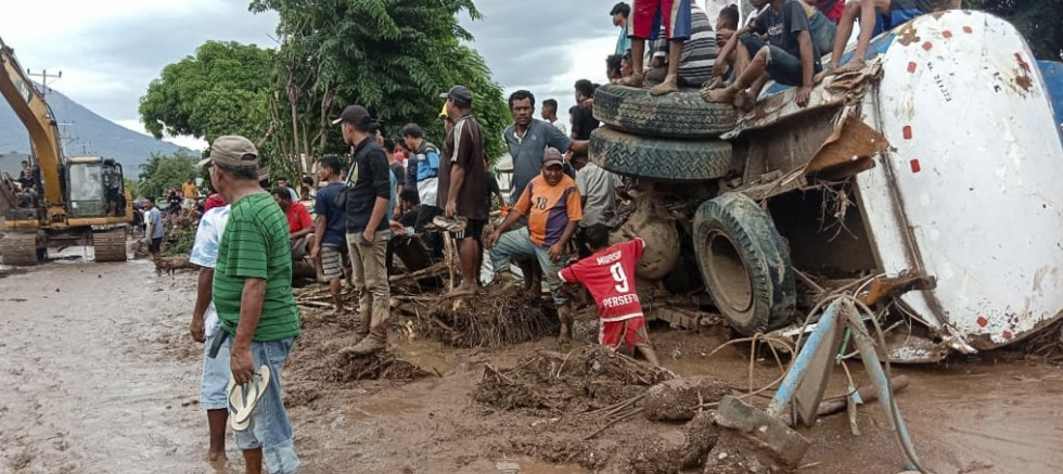 Endonezya'daki can kaybı 117'ye yükseldi