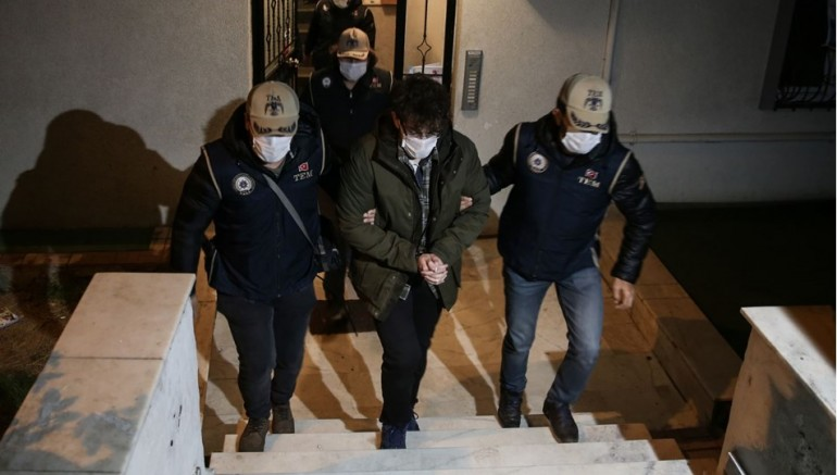 Firari FETÖ mensupları İstanbul'da yakalandı