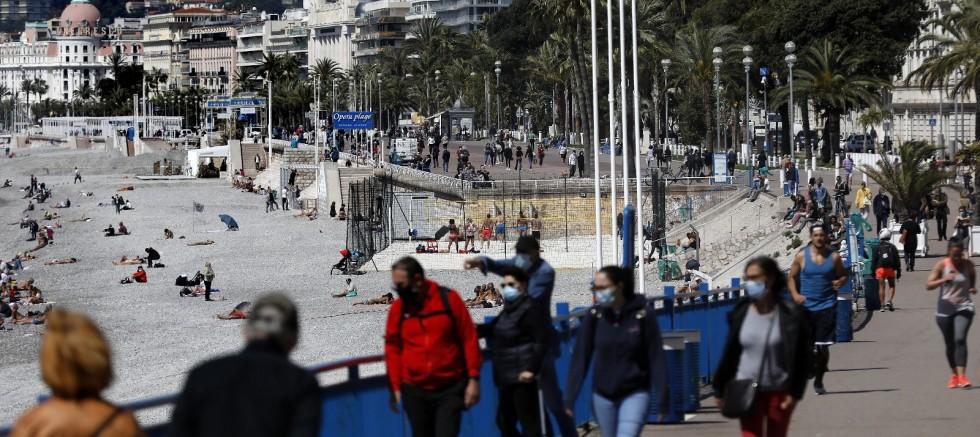 Fransa'da son 24 saatte 19 bin 124 yeni vaka