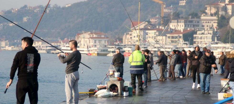 İstanbul'da sahillere akın bugün de sürüyor