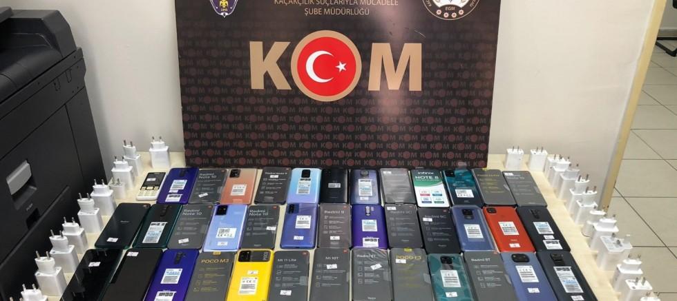 İzmir'de 6 milyon liralık kaçak ürün ele geçirildi