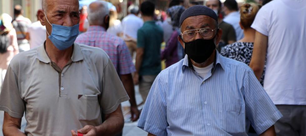 Kalitesiz maske koronavirüsü artırıyor!