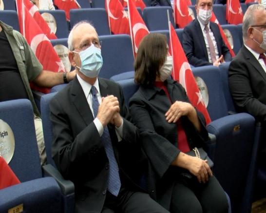 Kılıçdaroğlu, 'İnsanlarım' oyununu izledi