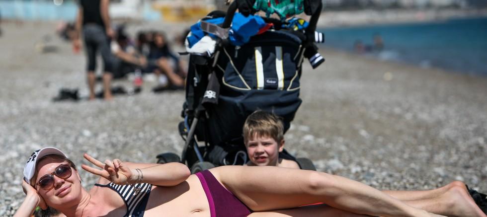 'Koronavirüs' uyarılarını dinlemediler sahillere akın ettiler