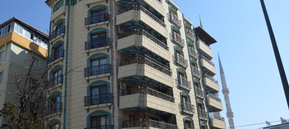 Mimarisiyle hayrete düşüren bina
