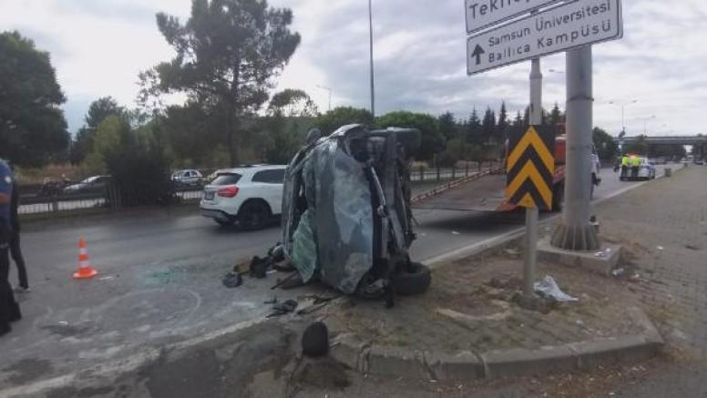Samsun'da korkunç kaza, araç yan döndü!