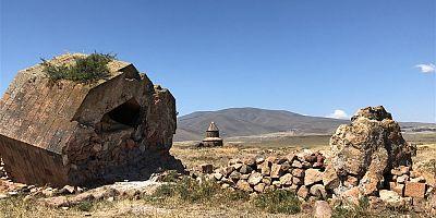 Ani Ören Yeri'ndeki kazı çalışmalarında mescit kalıntısı bulundu