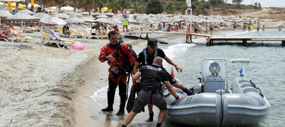Tekne faciasında kaybolan Sarp, aranıyor