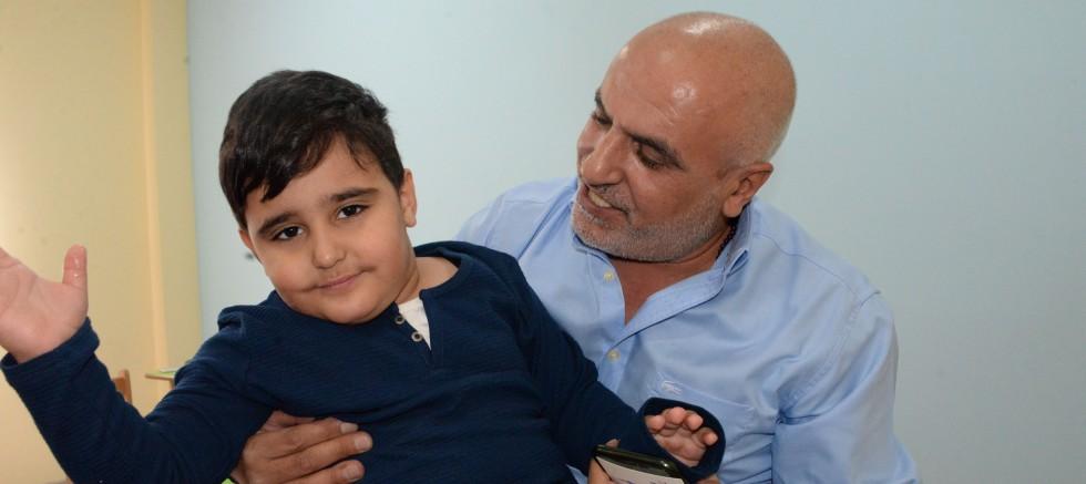Torunu için kurduğu otizm merkezinde 23 öğrenciyi ücretsiz okutuyor